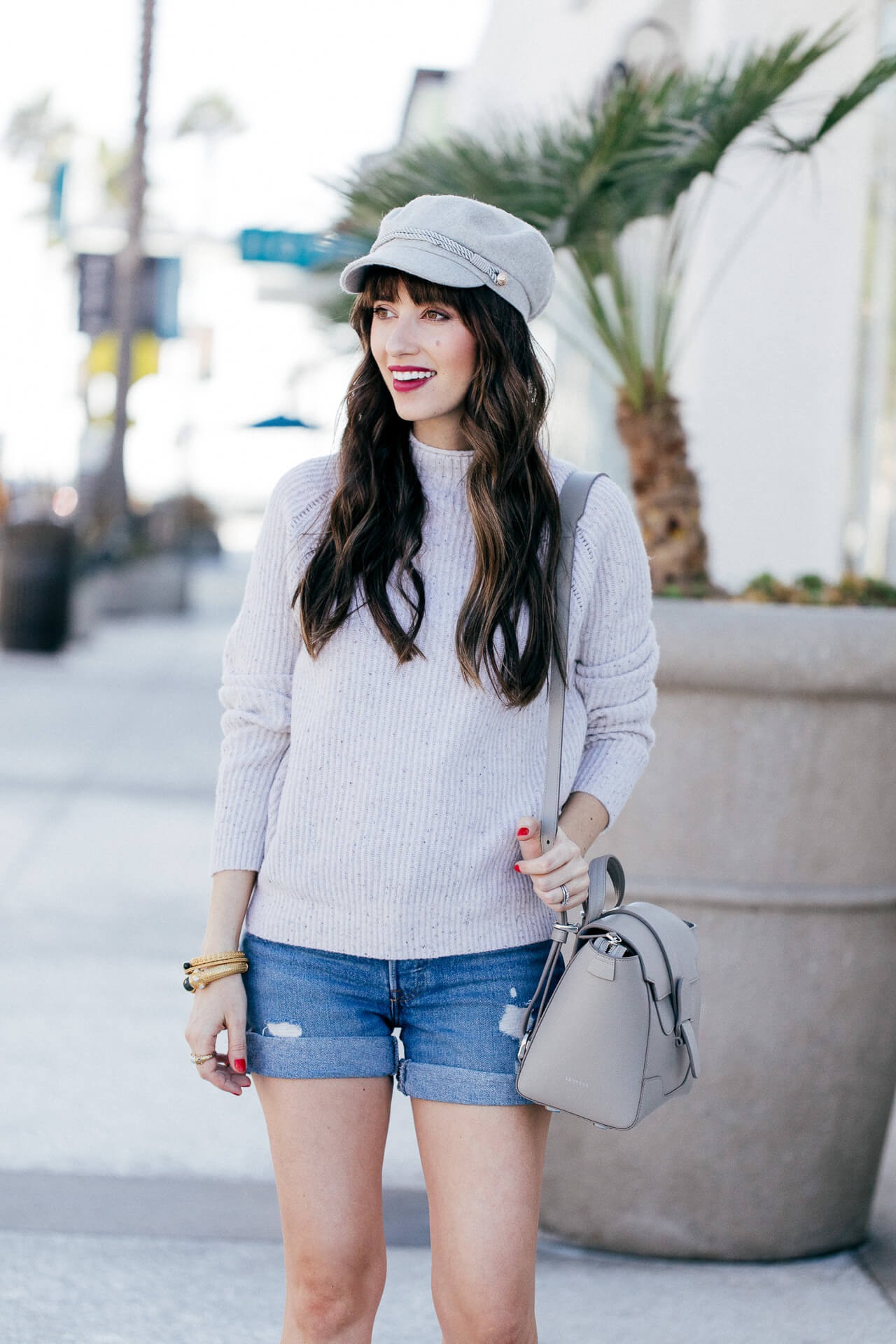 I love this outfit inspired by SoCal in fall! This newsboy cap is too cute!   M Loves M @marmar