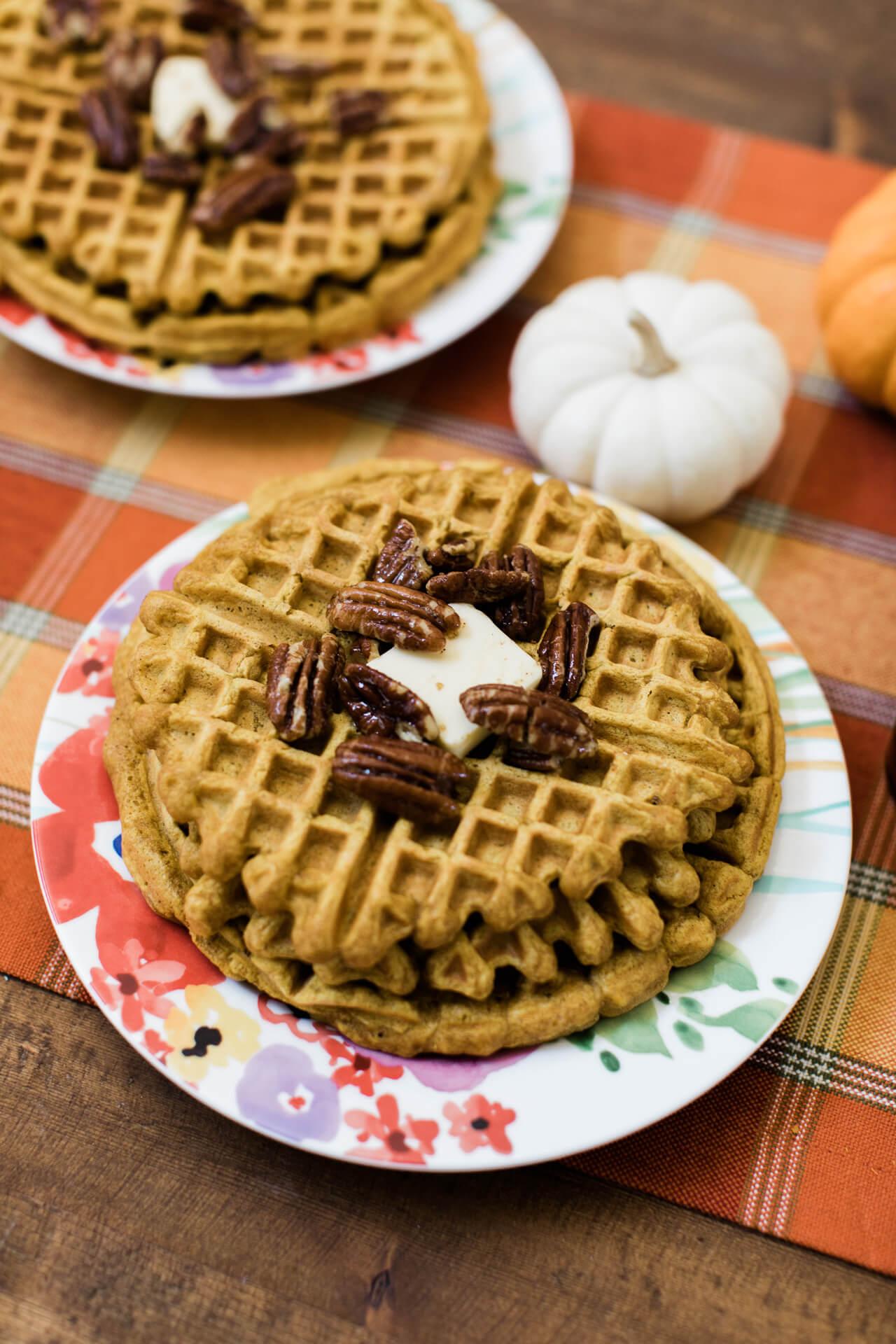 Easy fall waffle recipe.   M Loves M @marmar