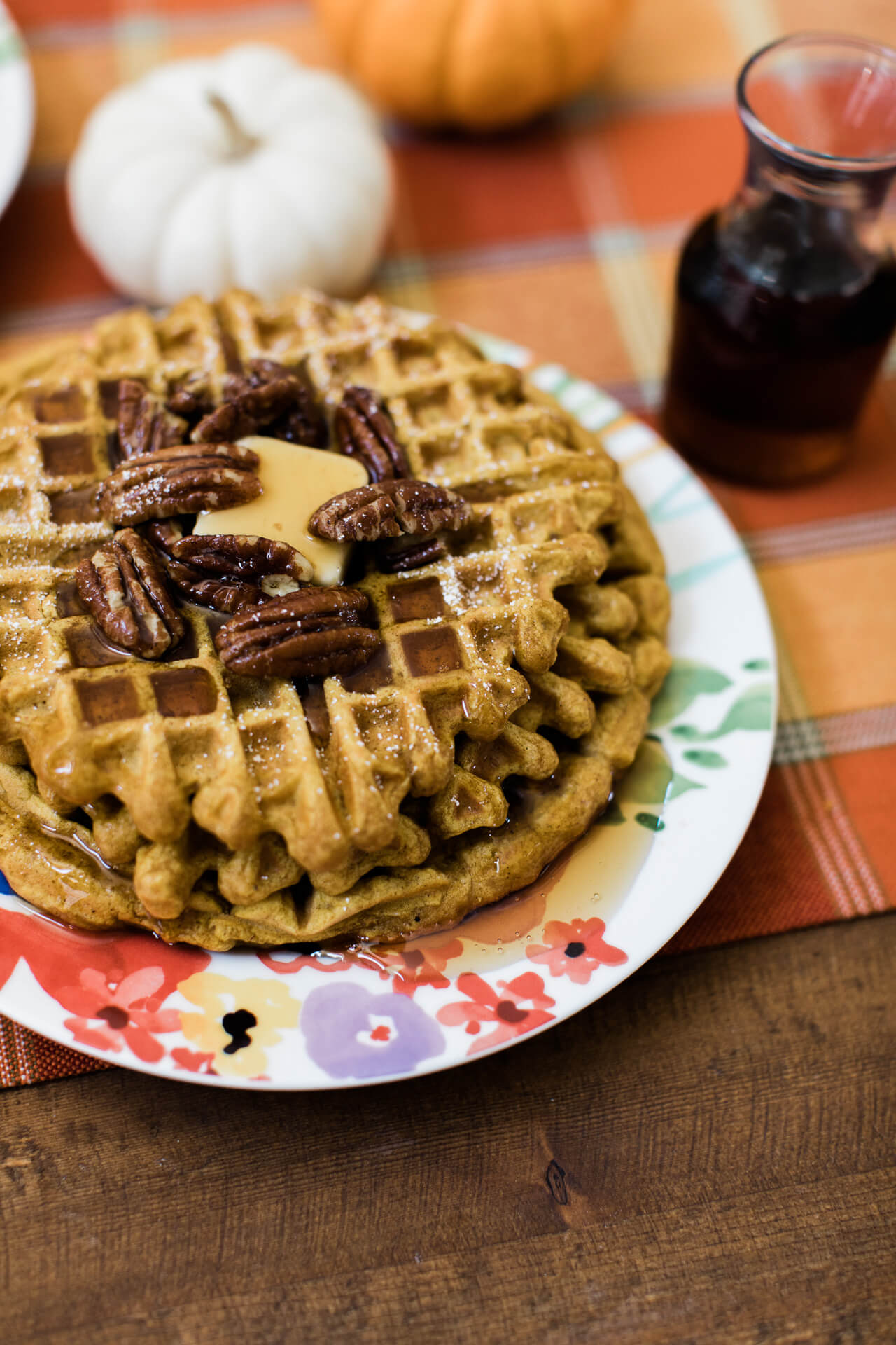 How to make pumpkin spice waffles. | M Loves M @marmar