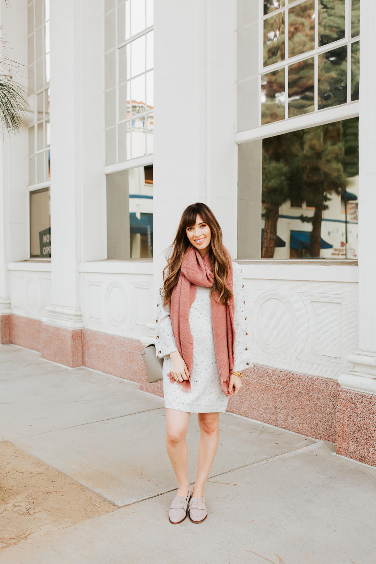 This first trimester maternity outfit is so chic! - M Loves M @marmar