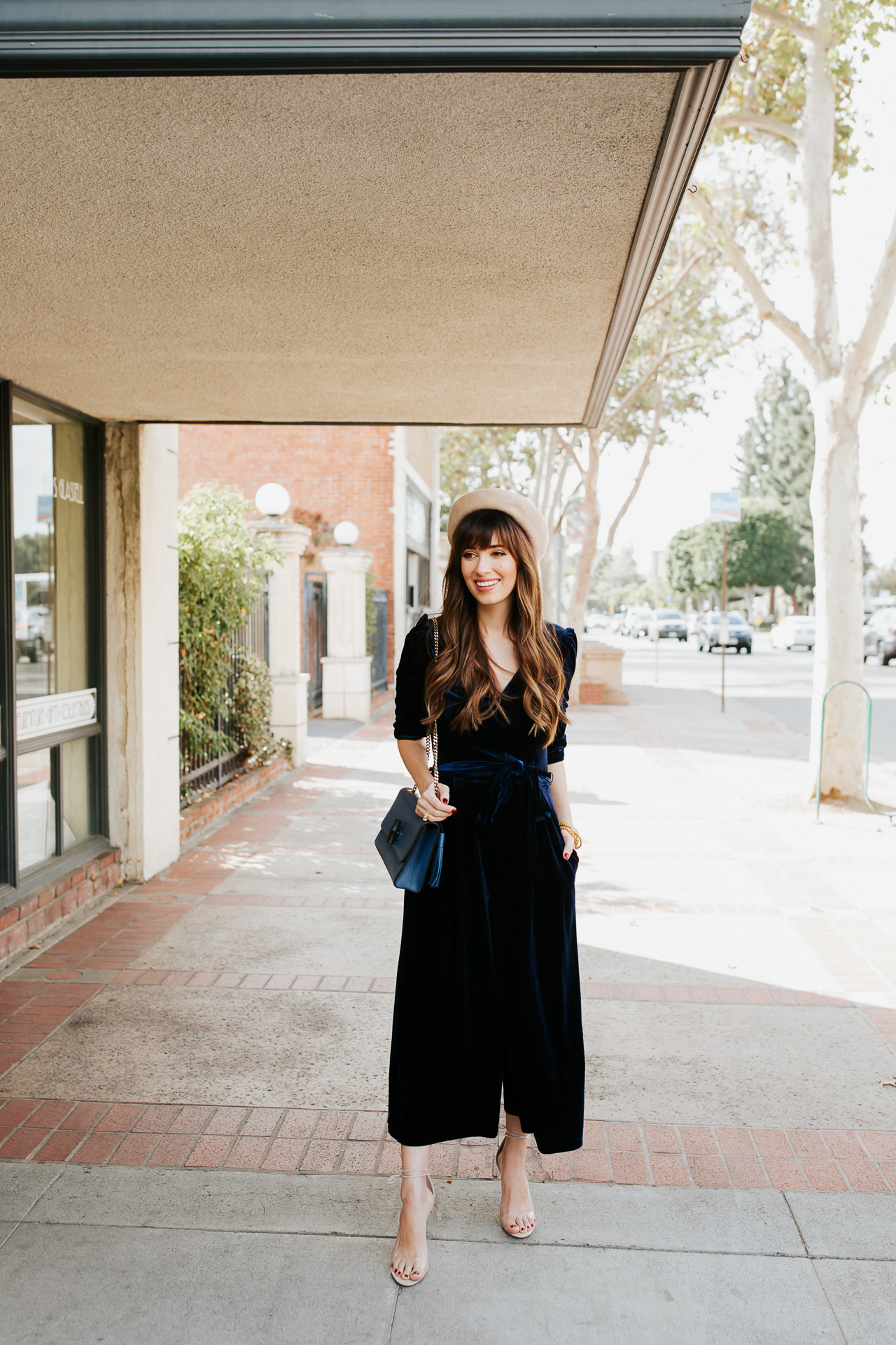 Who can resist a navy blue velvet outfit?! - M Loves M @marmar