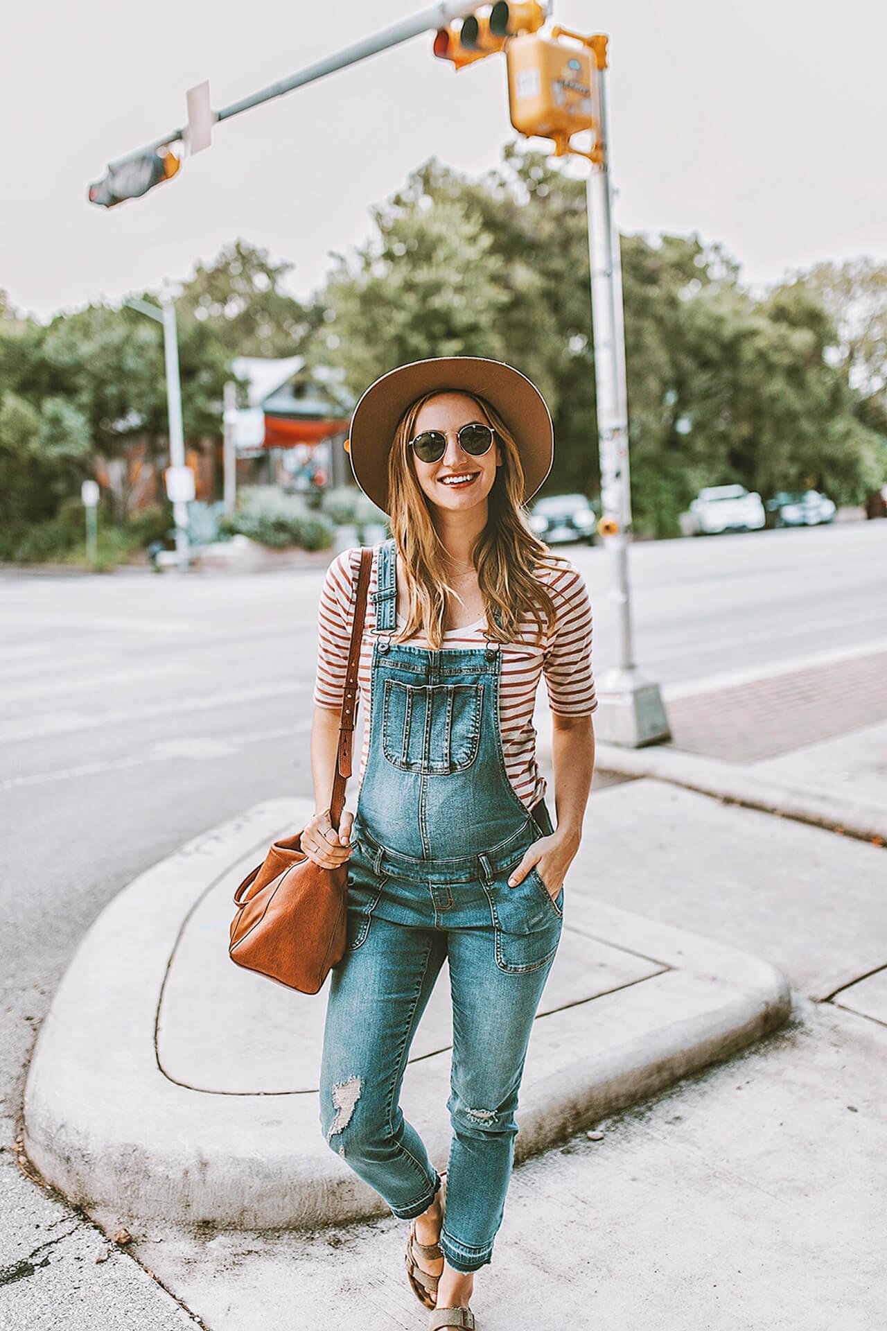 Olivia from LivvyLand Blog Pregnany