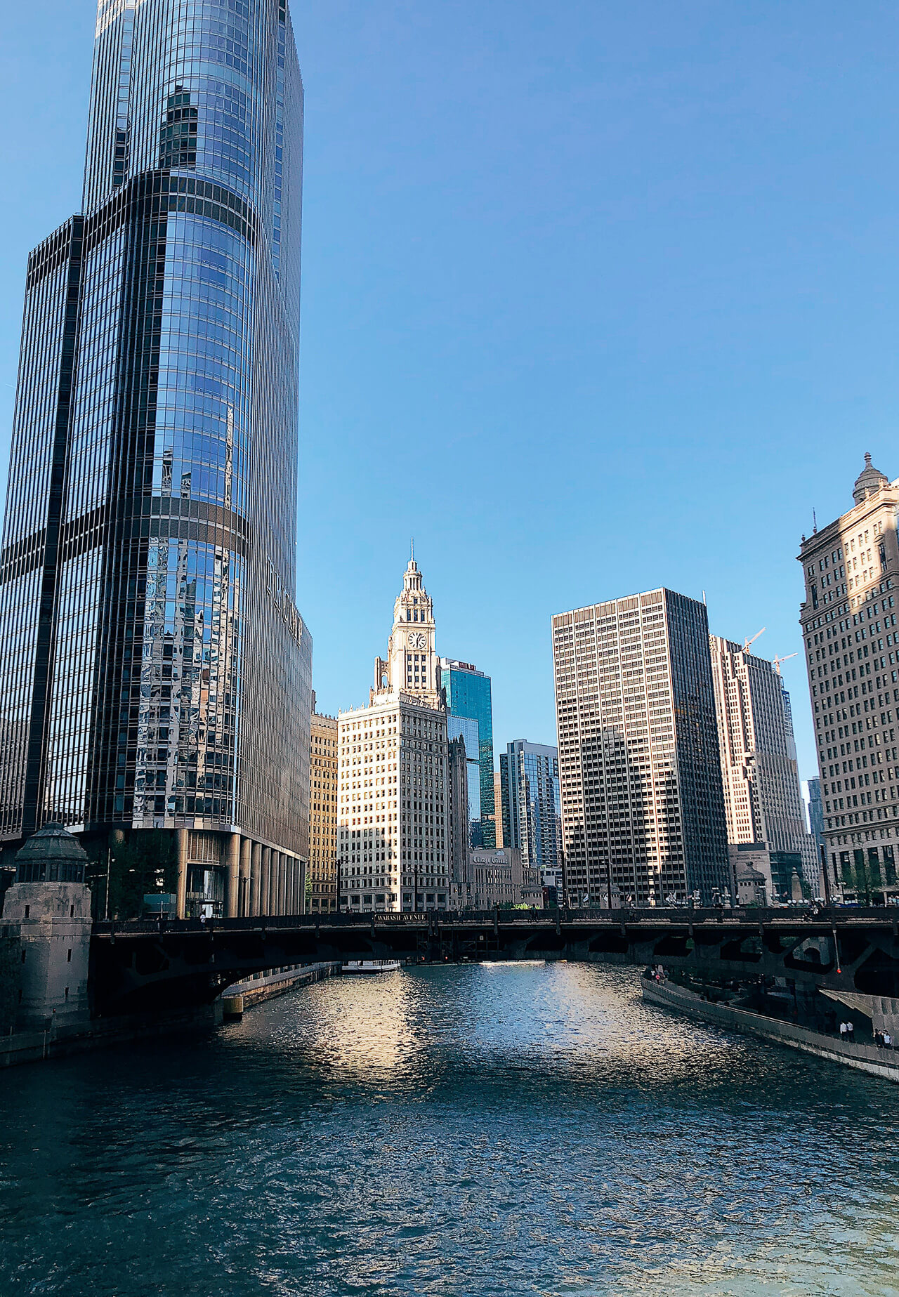 How pretty is the Chicago river walk?? - M Loves M @marmar