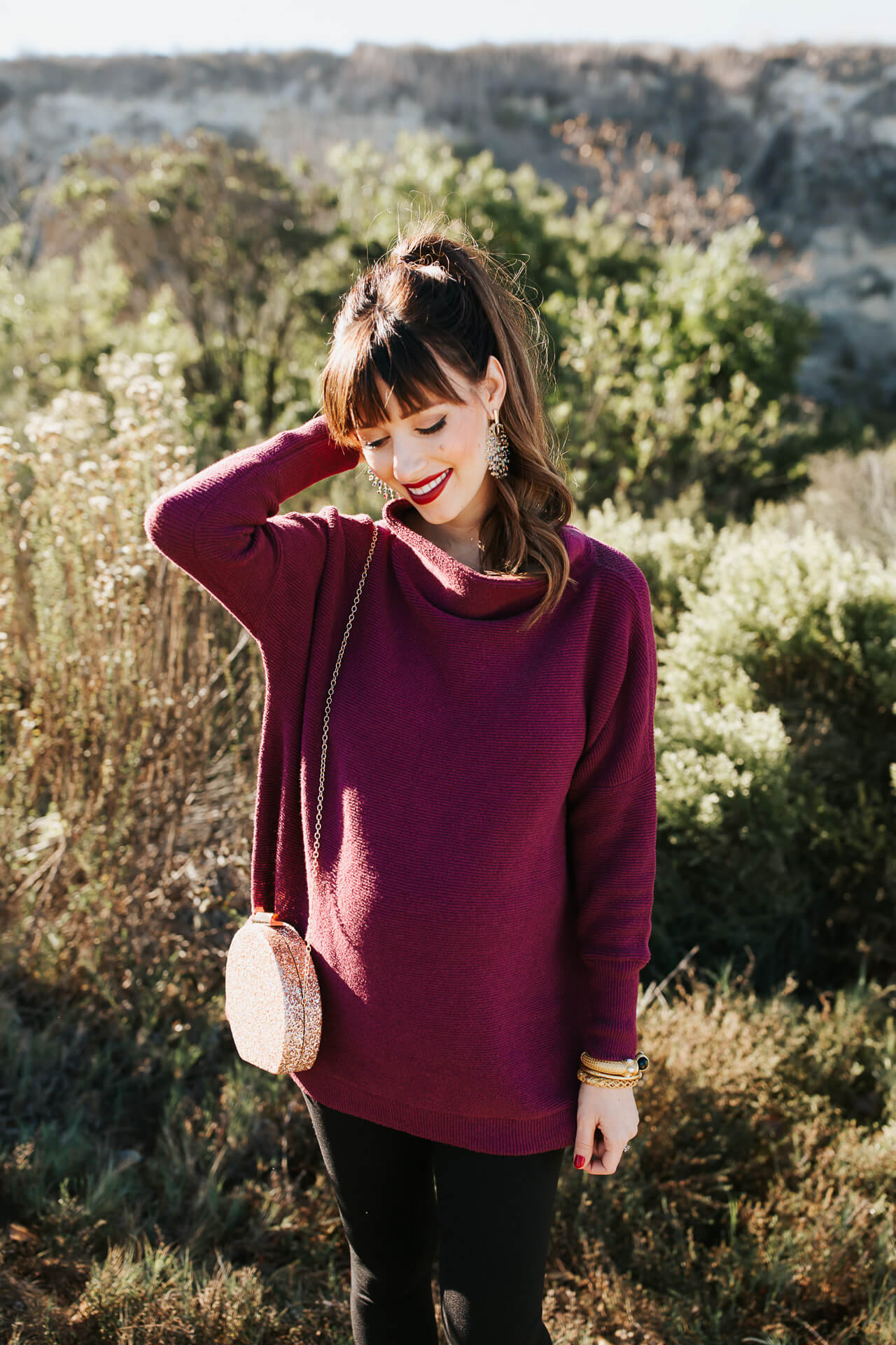 This fall maternity sweater and leggings maternity outfit is so cute! - M Loves M @marmar