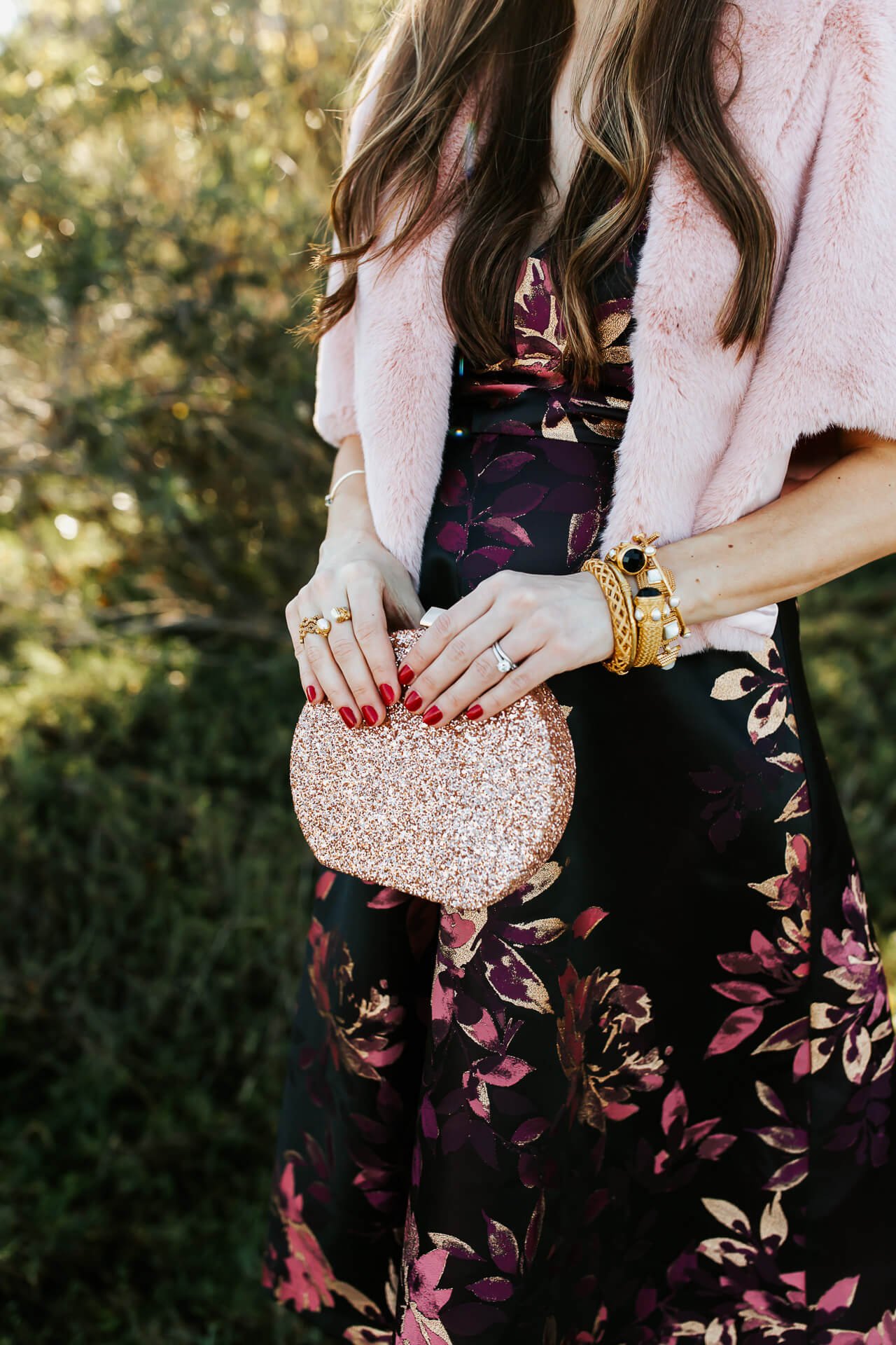 I love this gold glitter clutch from Kate Spade! - M Loves M @marmar