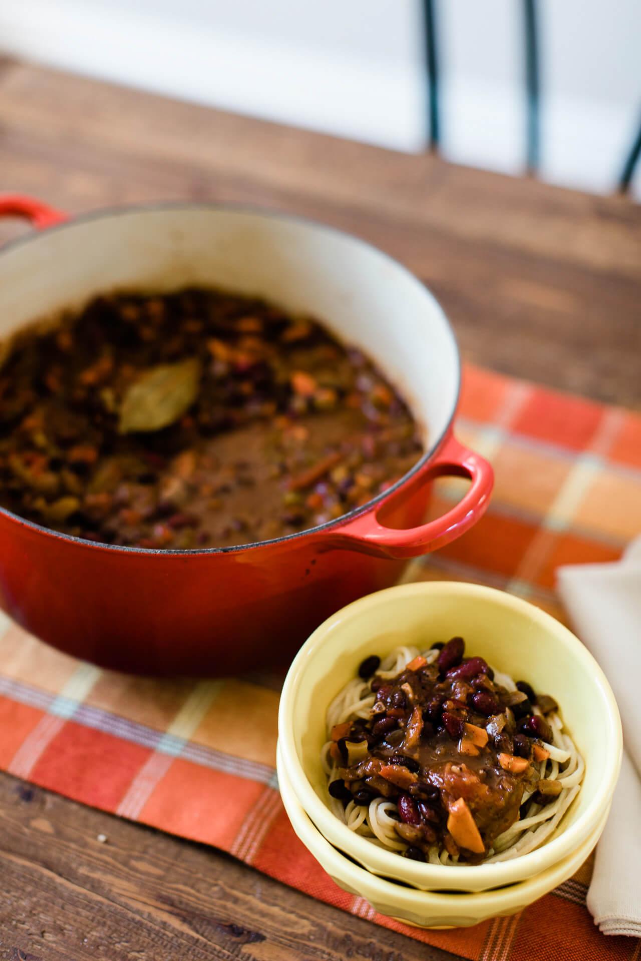 This plant based chili recipe is so easy! - M Loves M @marmar