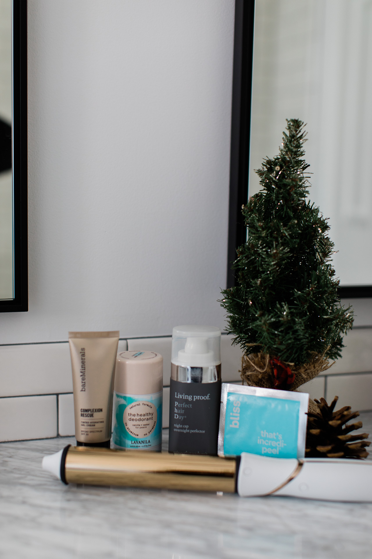 These are the beauty products I loved in November! - M Loves M @marmar