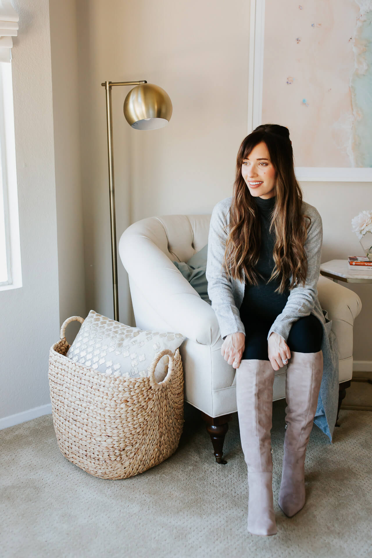 These easy holiday outfit ideas are so chic! Love this easy holiday outfits! - M Loves M @marmar