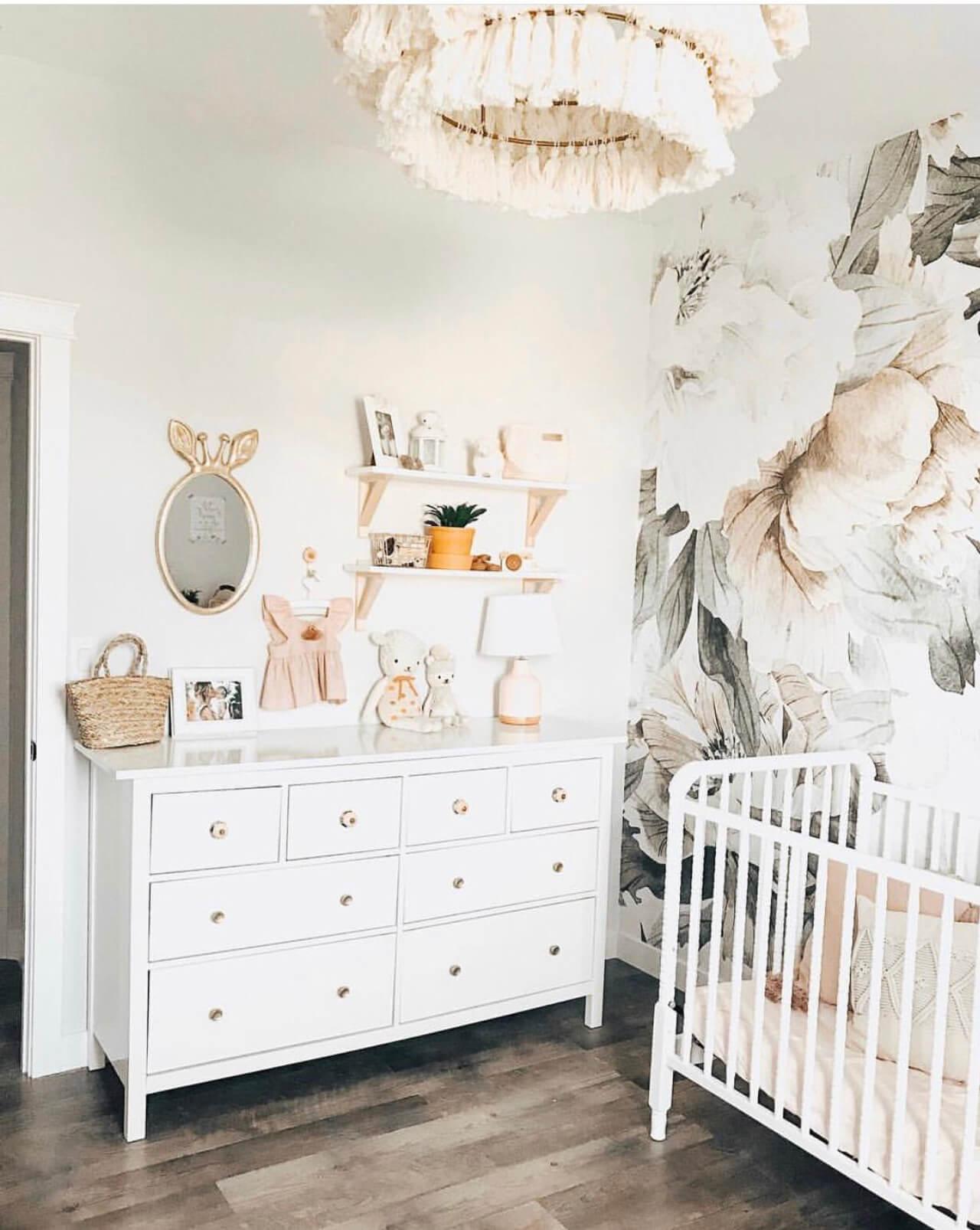 Pretty baby girl nursery decor! - M Loves M @marmar