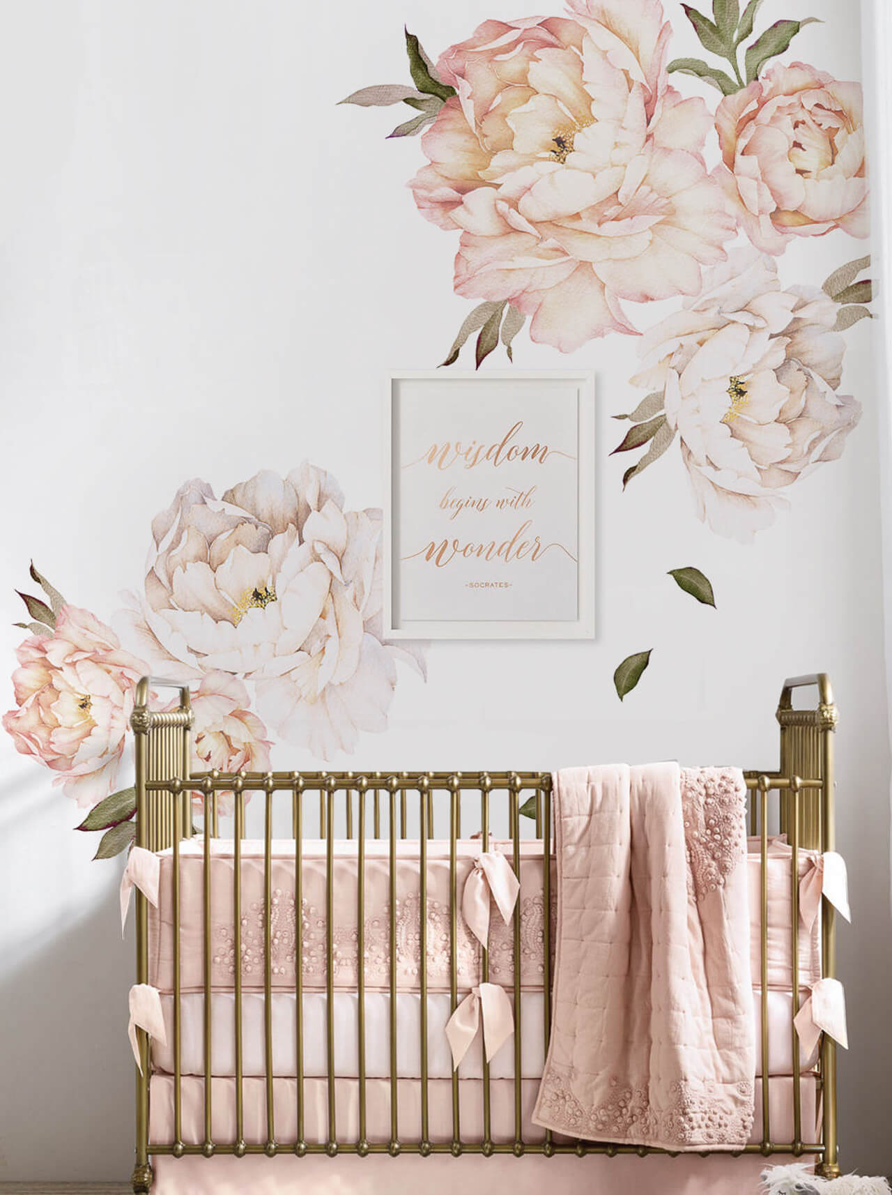 How pretty is this pink floral wallpaper for a baby nursery! - M Loves M @marmar