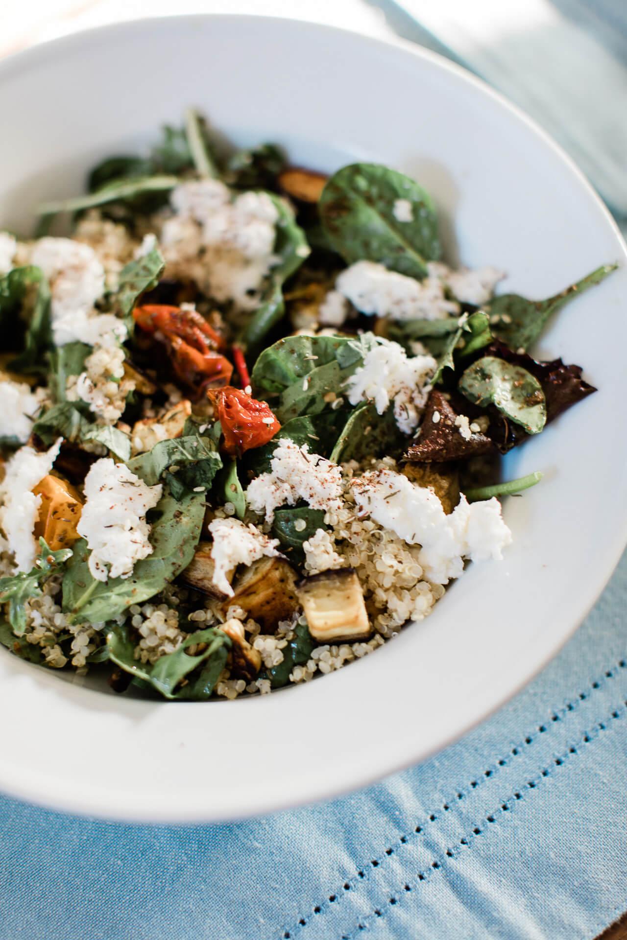 A yummy pesto quinoa bowls! - M Loves M