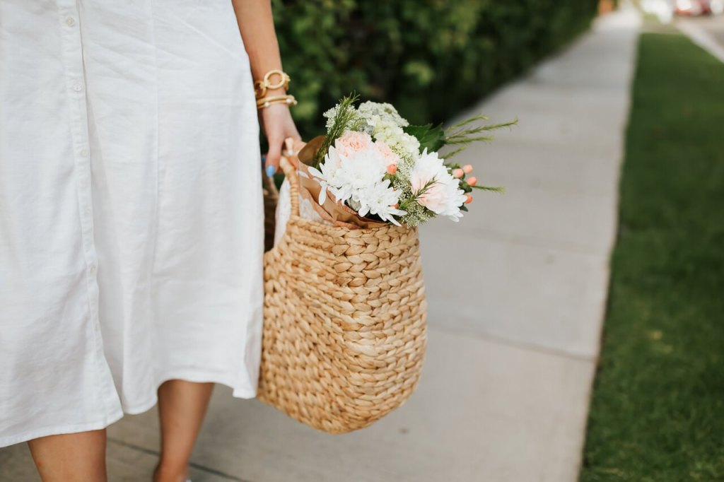 Love this straw handbag for spring! - M Loves M