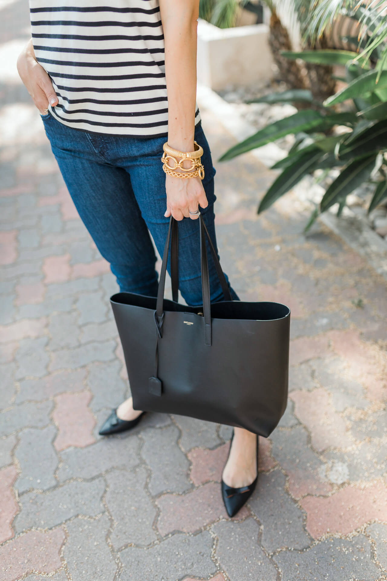 A classic black tote bag! - M Loves M @marmar