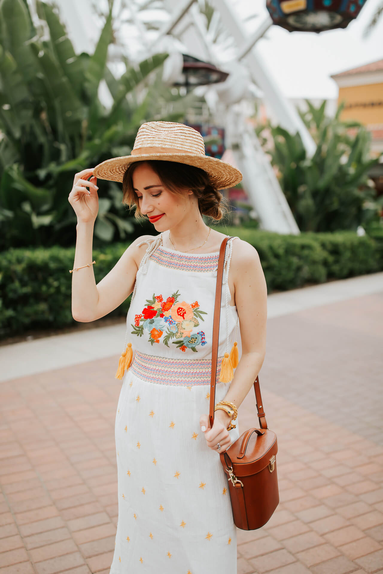 I am obsessed with the colorful embroidery trend! - M Loves M @marmar