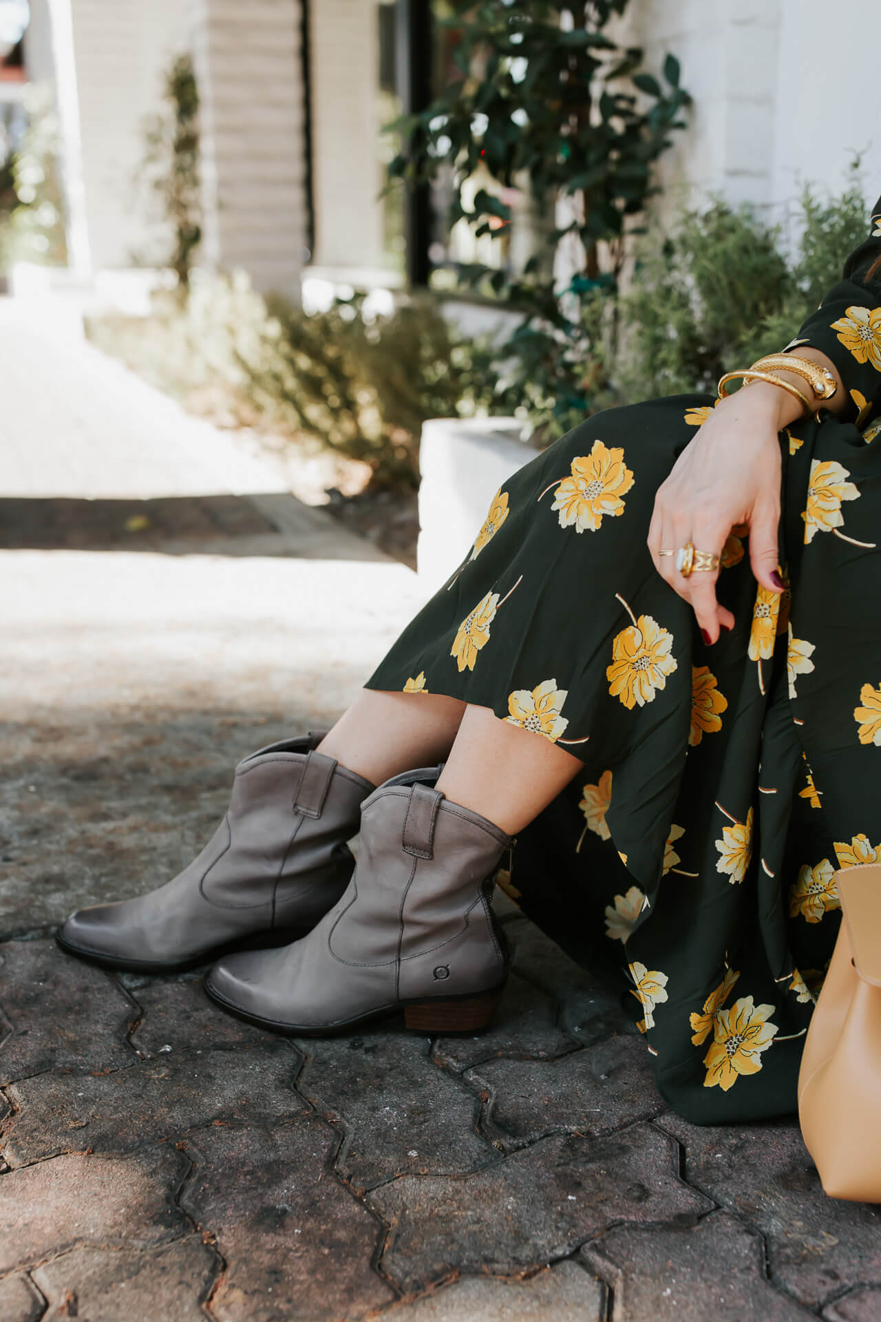 Love these grey cowboy boots from Born! - M Loves M @marmar