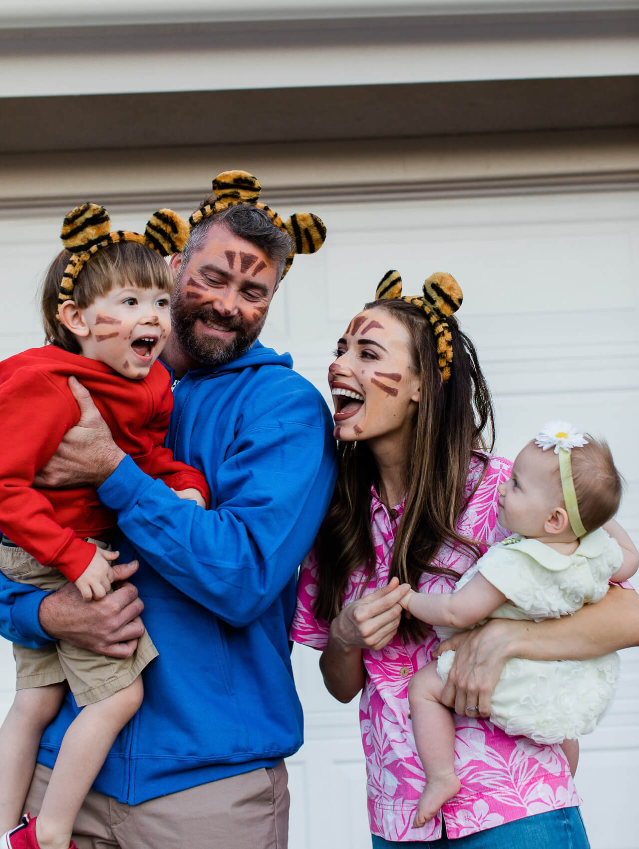 Easy family of four Halloween costume! - M Loves M @marmar