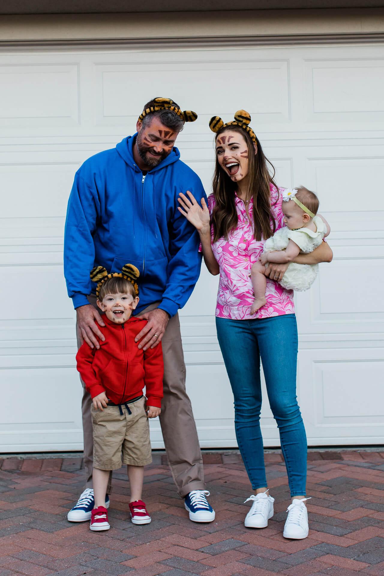 Easy family of four Halloween costume! - M Loves M @marmar