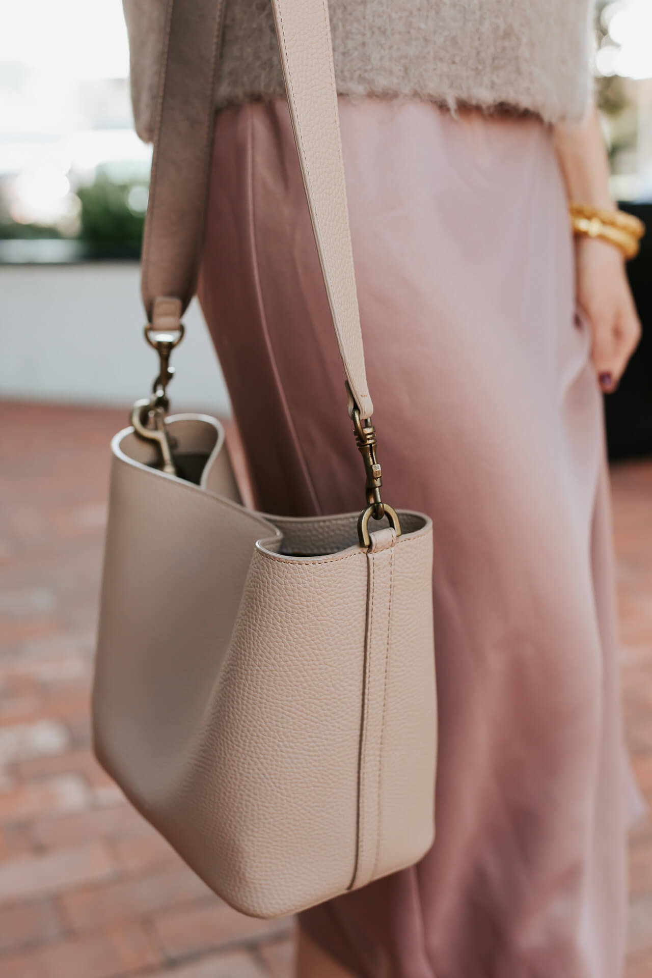 A chic grey bucket bag from Angela Roi. - M Loves M @marmar
