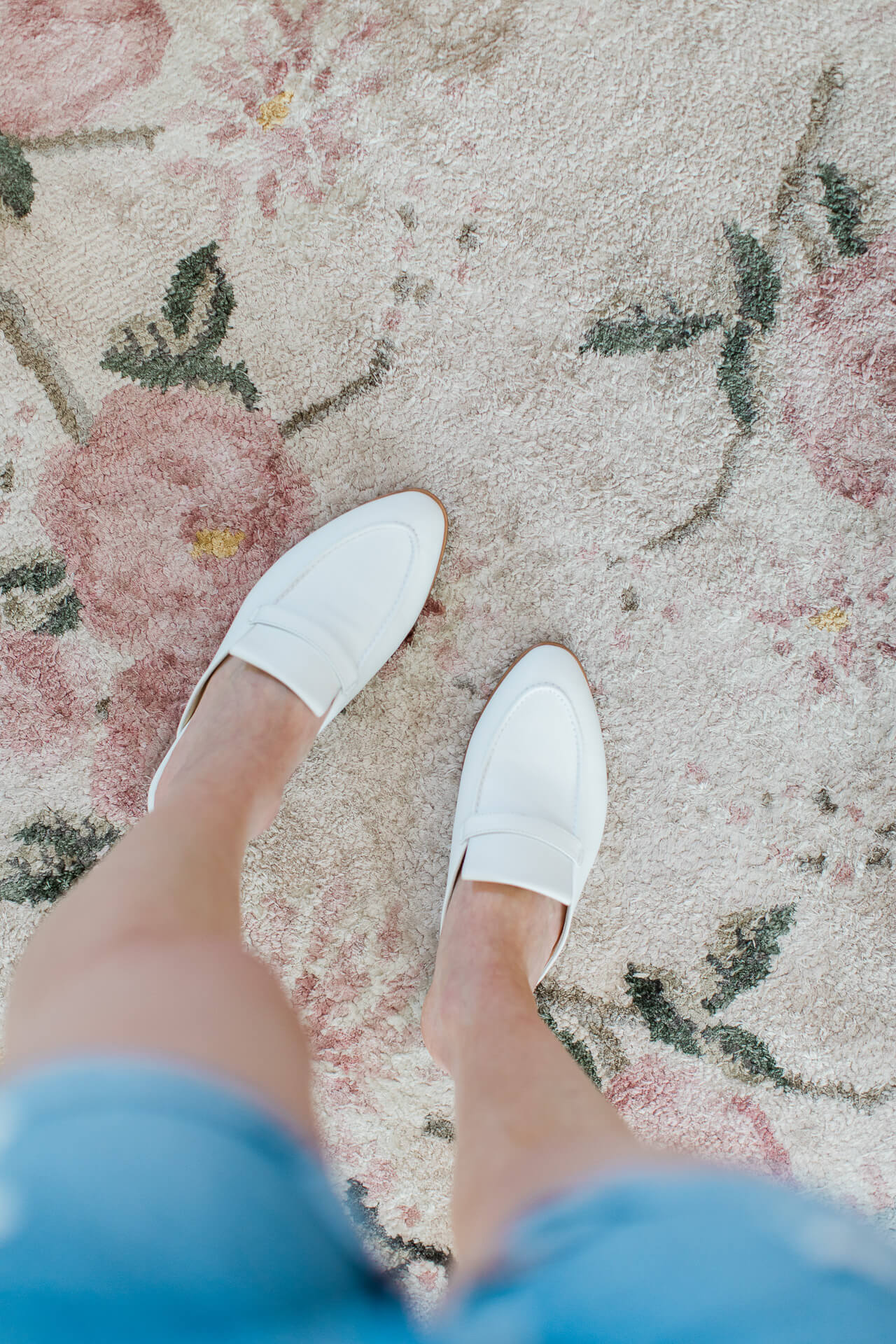 Love these white slides from Sarah Flint! - M Loves M @marmar