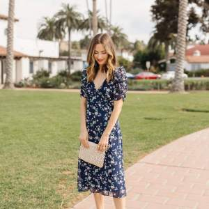 I am loving these fall midi dresses! - M Loves M @marmar