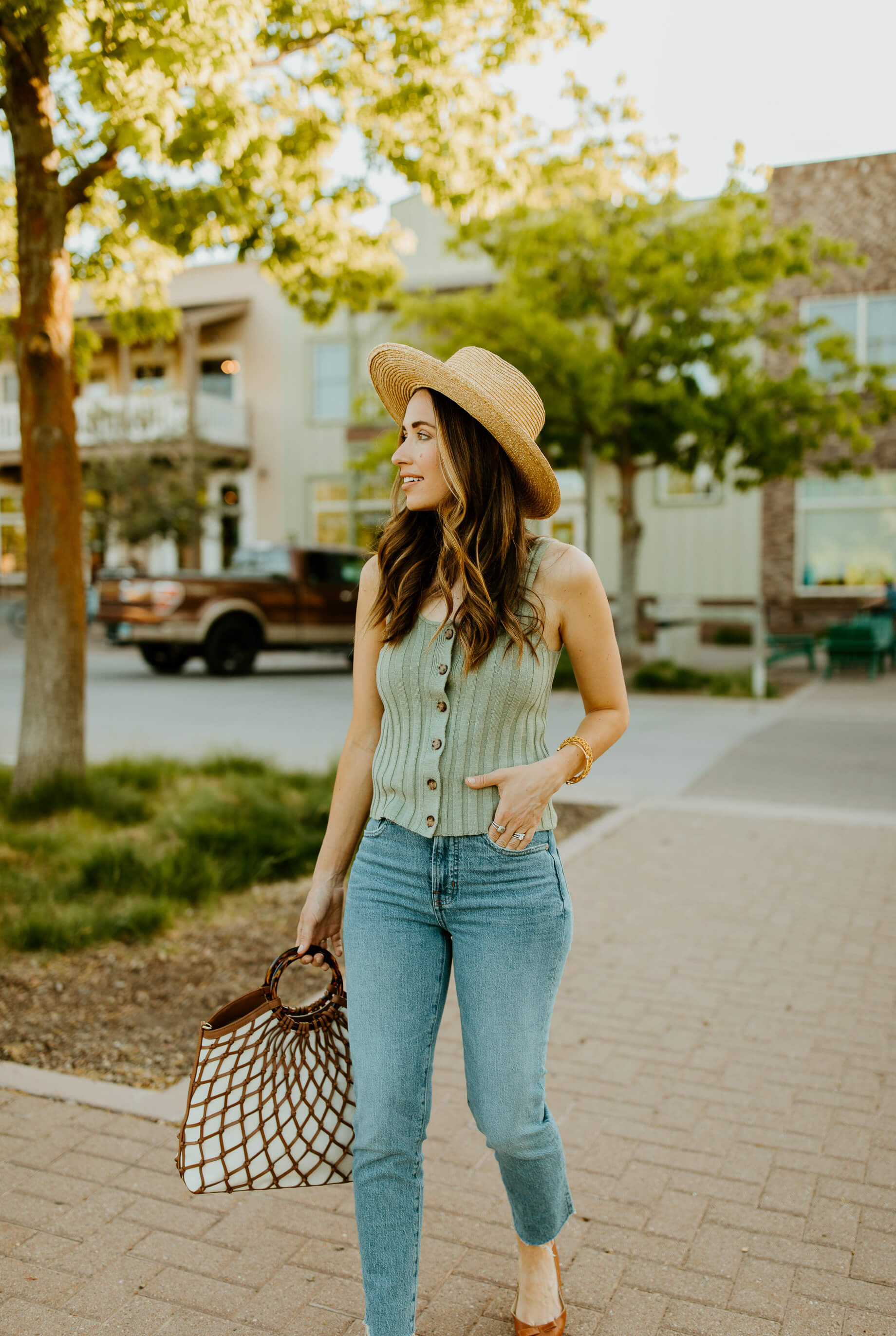 effortless and casual mom style outfit - M Loves M @marmar