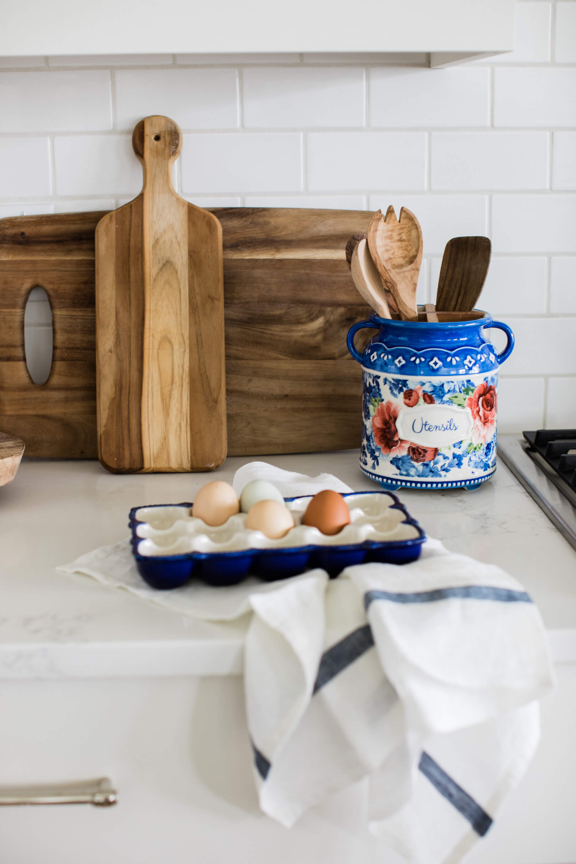 a touch of fall florals in the kitchen - updates that make a difference - M Loves M @marmar