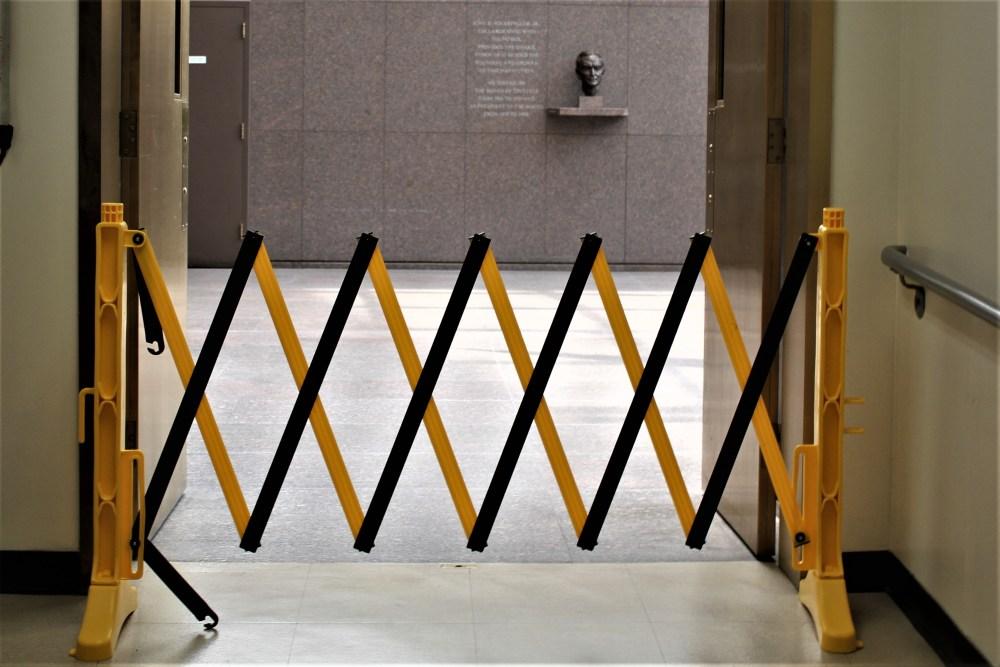 Xpandit Indoor Expandable Barricade