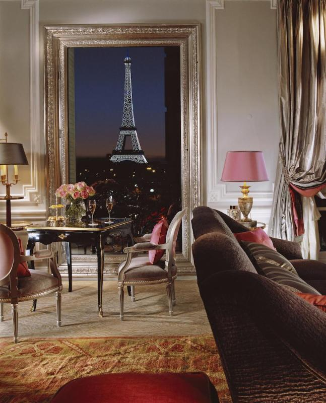 plaza athenee paris Eiffel tower  view