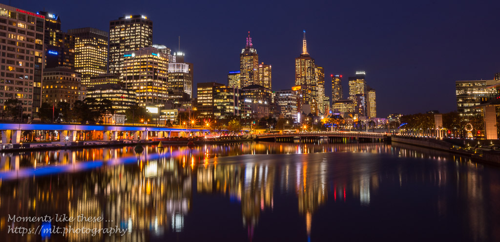 Yarra River lights up