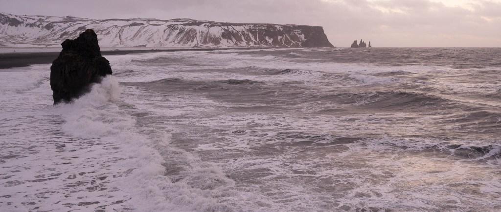 Dyrhólaey - rough sea