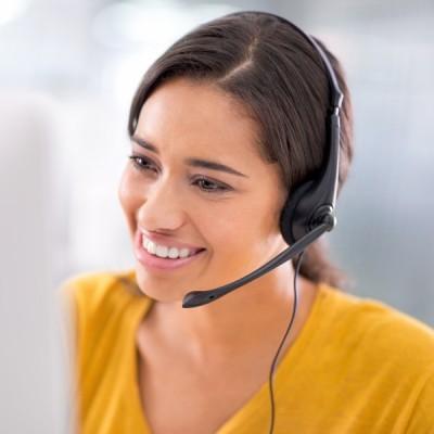 answering-service-woman-3