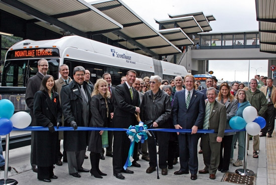 Mr. McMahan helps cut the ribbon at the MLT Freeway Station Grand Opening, along with former Snohomish County Executive Aaron Reardon.