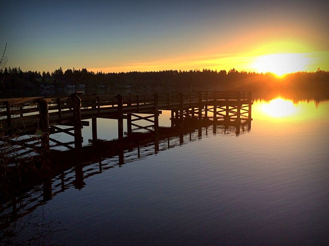 From David Carlos, a Christmas Eve sunset shot taken on the Mountlake Terrace side of Lake Ballinger.