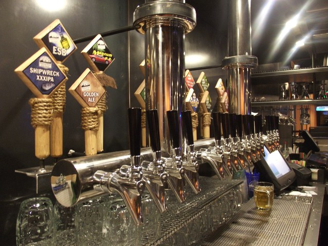 The bar boasts 16 taps of Diamond Knot craft beers and ales.