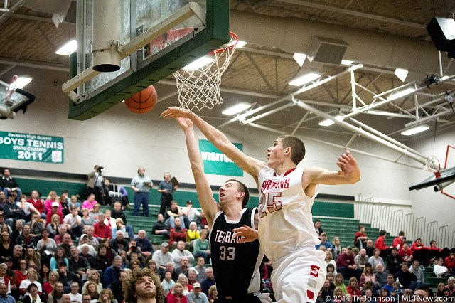 Greg Bowman led the Hawks with 21 points Friday.