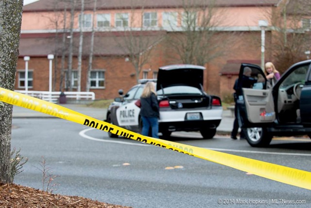 A bomb threat was called into Mountlake Terrace High School this afternoon. The school was evacuated and Police searched the building and allowed students and cleared the scene. (Photos by Mark Hopkins)