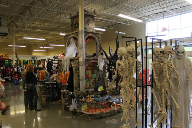 the temporary spirit halloween - Spirit Halloween Store 2016