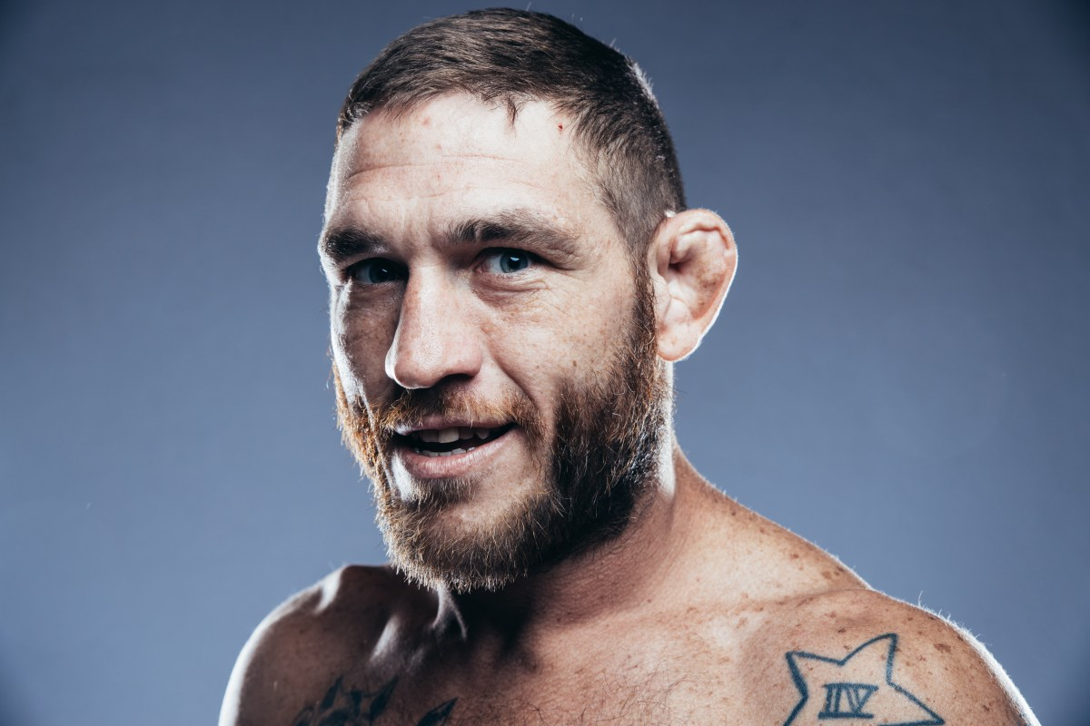 Tom Lawlor : Official MMA Fight Record (11-8-0)