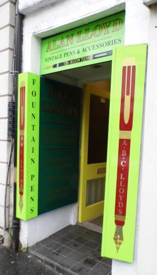 ABC Lloyd - Pen Shop Entrance