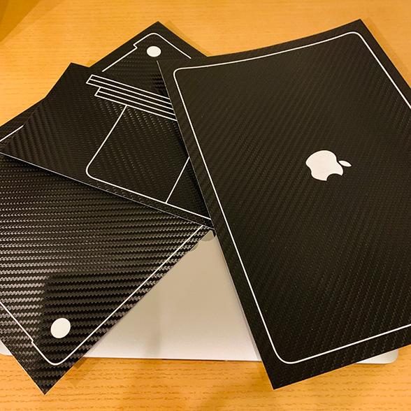 wraplus for MacBook Pro 13 インチ ブラックカーボン貼ってみました。