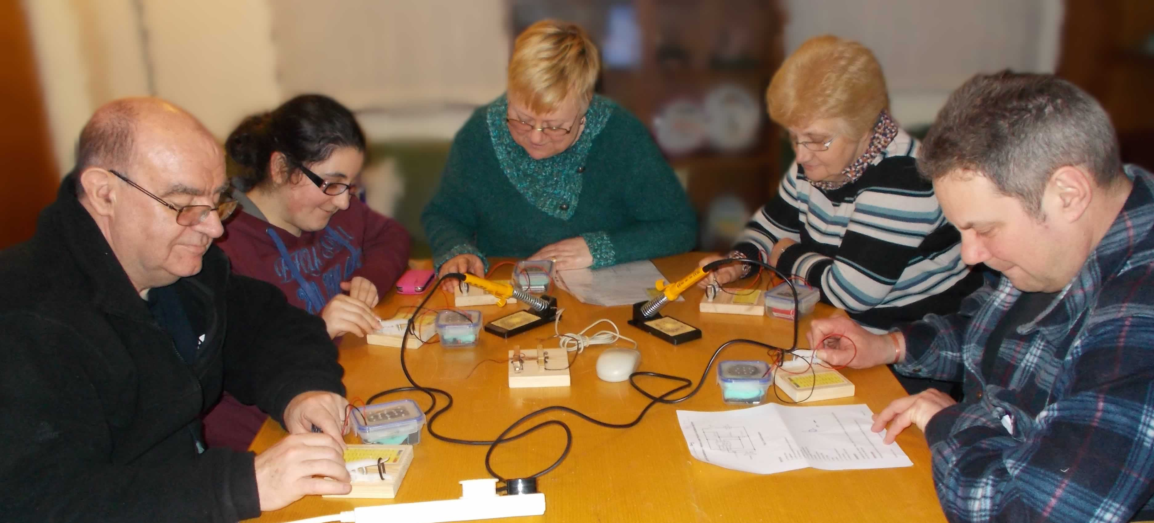 Cw Practice Oscillator Electronic Circuits And Diagramelectronics