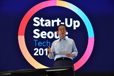 """Mayor of Seoul Metropolitan City, Park, Wonsoon is delivering a speech at """"Start-Up Seoul: Tech-Rise 2019"""""""