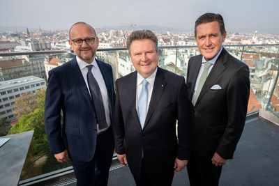 Mayor of Vienna Michael Ludwig (centre), Executive City Councilor of Finance, Business, Digital Innovation and International Affairs Peter Hanke (right) and Director of Tourism Norbert Kettner (left) presented Vienna's Visitor Economy Strategy 2025. © PID/David Bohmann (PRNewsfoto/Vienna Tourist Board)