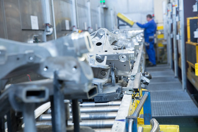 As a global metal processing specialist BENTELER offers its customers first-class engineering competence, innovative material and process technologies as well as expertise in metal forming and processing. (symbolic picture: production at a BENTELER Automotive plant)