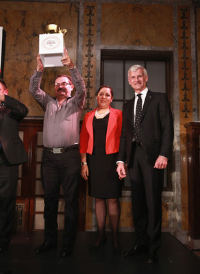 "Andrea Illy, chairman of illycaffè, presents the 2017 Ernesto Illy International Coffee Award to Honduras' José Abelardo Díaz Enamorado and wife Daysi Clemencia Reyes, designating their coffee beans as ""Best of the Best."""