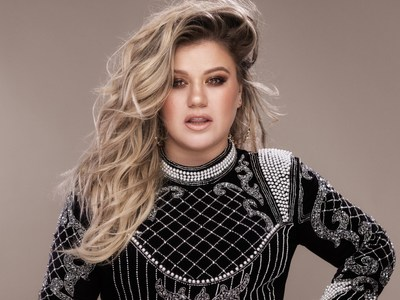 Kelly Clarkson will headline 52 Live at The Armory, On Location Experiences' pre-game party prior to Super Bowl LII  on Sunday, Feb. 4, 2018. Photo credit Vincent Peters.