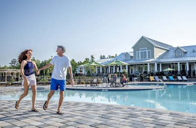 Cresswind is designed specifically for 55+, active adult new home buyers. The Cresswind lifestyle focuses on three pillars: Fitness, Nutrition and Relationships.
