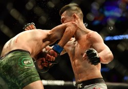 chan-sung-jung-yair-rodriguez-ufc-fight-night-139-2