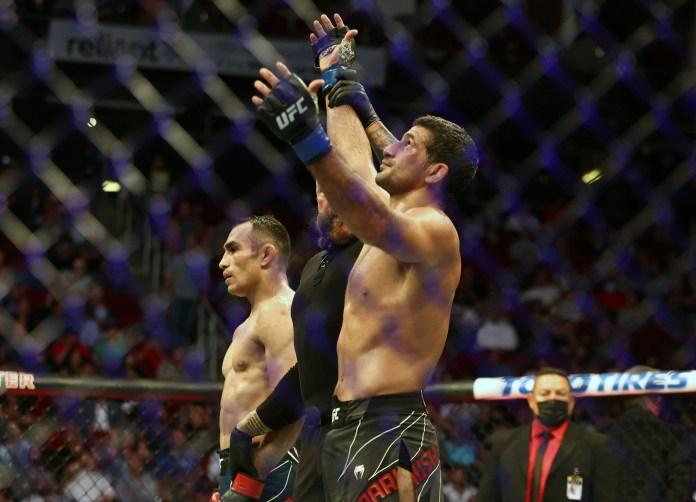 UFC 262 results: Beneil Dariush out-grapples Tony Ferguson