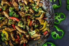 Kurczak z warzywami w stylu azjatyckim